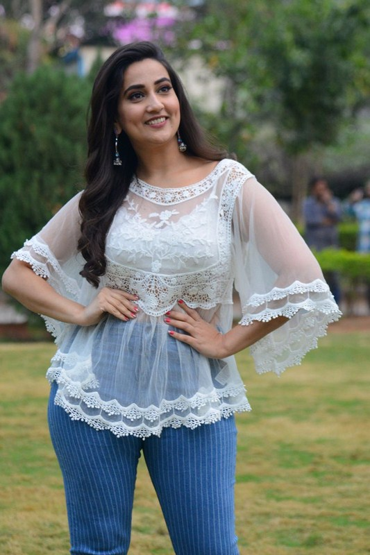 Anchor manjusha new images-Gallery,Images Photos,Spicy Hot Pics,Images,High Resolution WallPapers Download