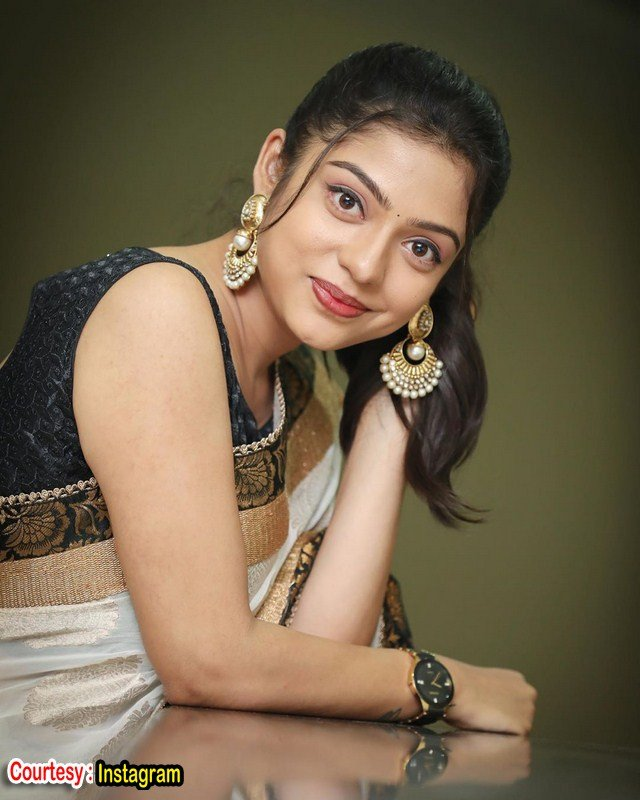 Vigil fem varsha bollamma cute looks-Telugu Varsha Bollamma Cute Looks Images, Varsha Bollamma Latest Images, Varsha Bollamma New Images, Varsha Bollammaphotos, Photos,Spicy Hot Pics,Images,High Resolution WallPapers Download