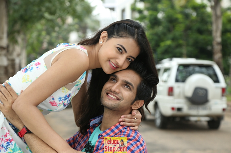 Aakatayi movie new stills- Photos,Spicy Hot Pics,Images,High Resolution WallPapers Download