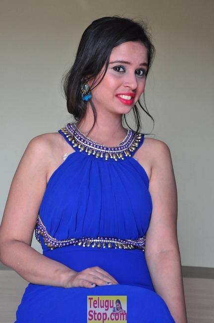 Aaleesha Stills-Aaleesha Stills-