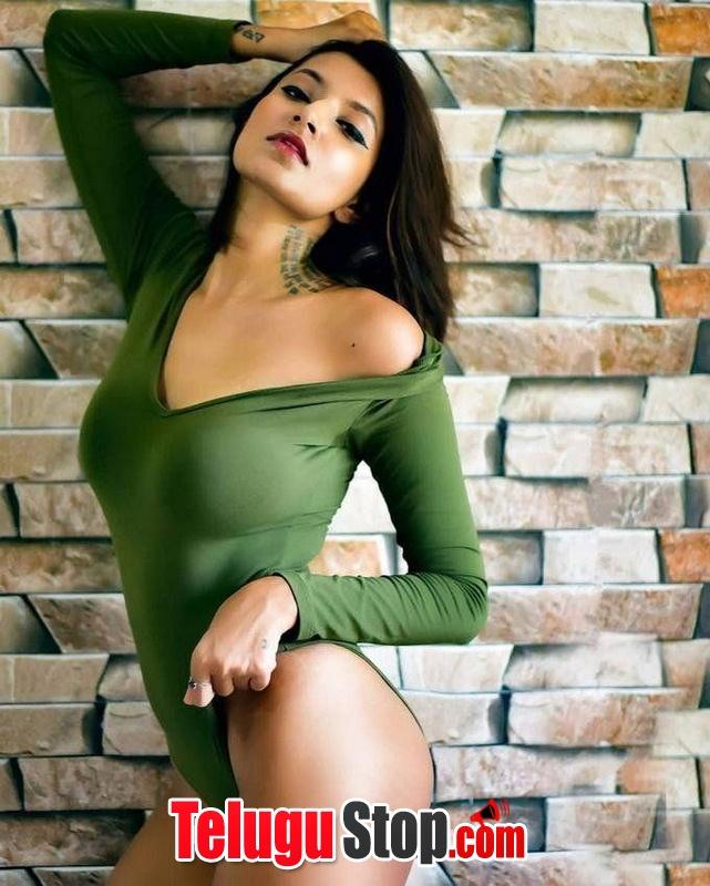 Aastha sharan hot pics