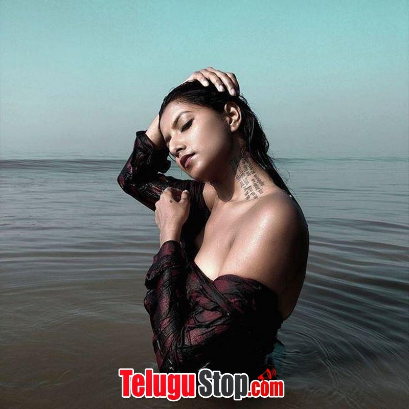 Aastha sharan hot pics- Photos,Spicy Hot Pics,Images,High Resolution WallPapers Download