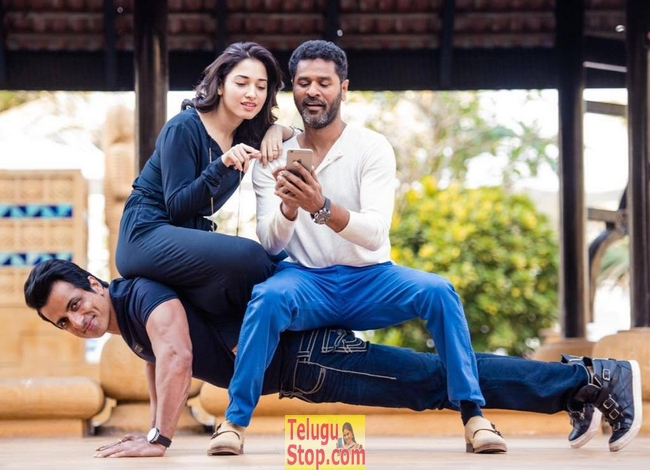 Abhinetri movie stills and posters- Photos,Spicy Hot Pics,Images,High Resolution WallPapers Download
