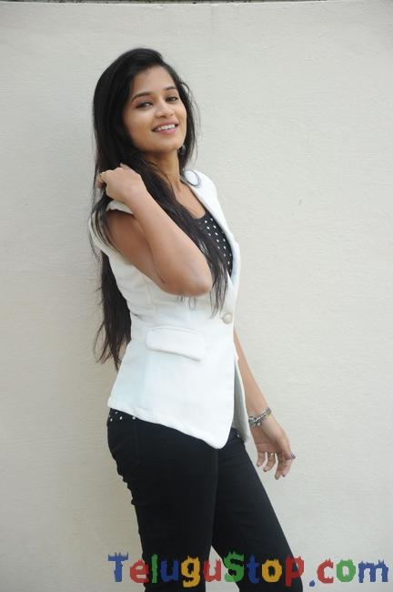 Actress Anwika Stills-Actress Anwika Stills--Telugu Actress Hot Photos Actress Anwika Stills-