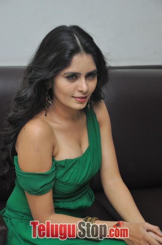 Actress Madhumathi Latest Stills-Actress Madhumathi Latest Stills-
