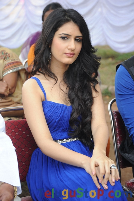 Actress Sana New Stills-Actress Sana New Stills--Telugu Actress Hot Photos Actress Sana New Stills-