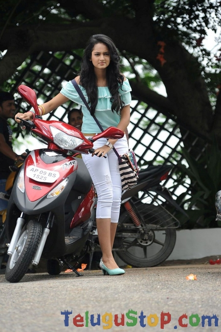 Actress Shanvi New Stills-Actress Shanvi New Stills-