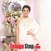 Actress Shraddha Srinath Photos- Pic 8 ?>