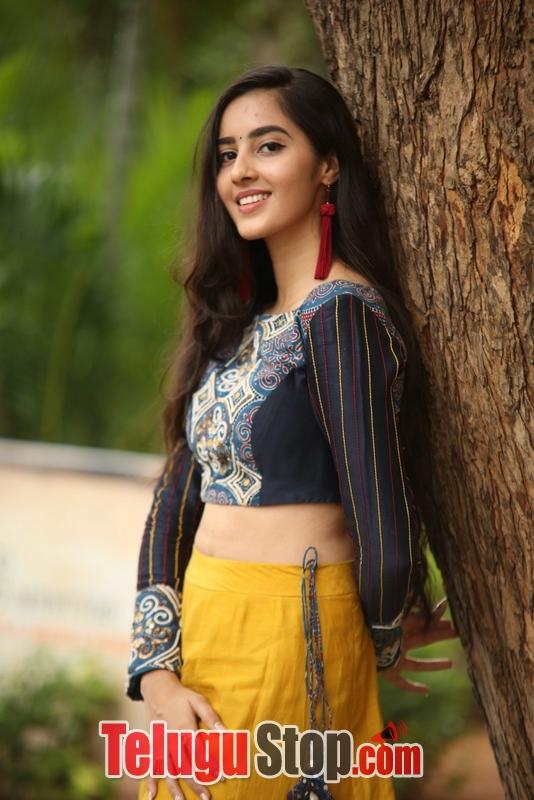 Actress simrat kaur photos stills gallery- Photos,Spicy Hot Pics,Images,High Resolution WallPapers Download