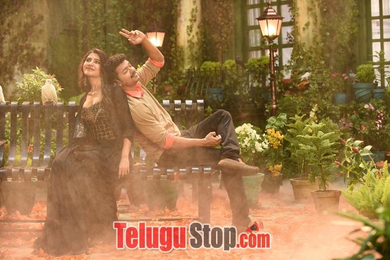 Adhirindhi Movie Stills-Adhirindhi Movie Stills-