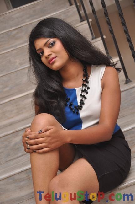 Akhila latest stills