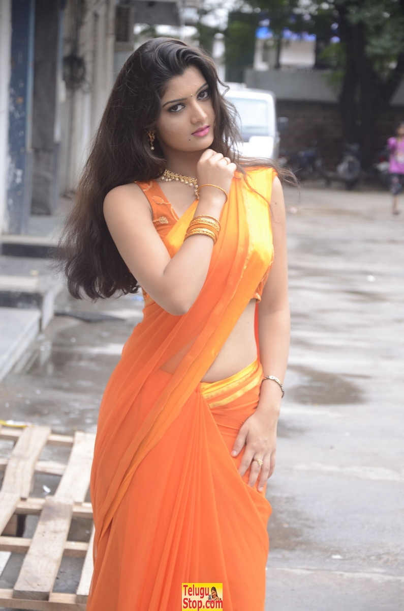 Akishitha stills- Photos,Spicy Hot Pics,Images,High Resolution WallPapers Download