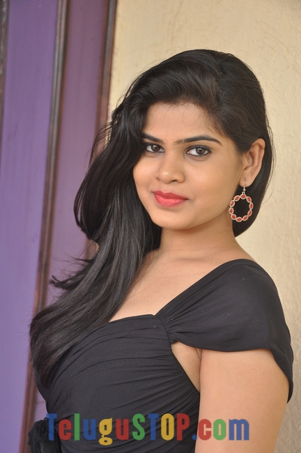 Alekhya latest pics- Photos,Spicy Hot Pics,Images,High Resolution WallPapers Download