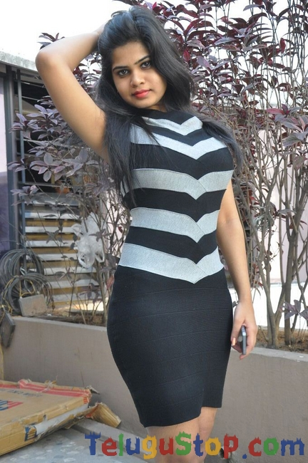 Alekhya latest stills 2- Photos,Spicy Hot Pics,Images,High Resolution WallPapers Download