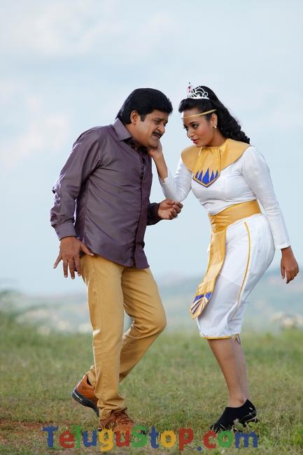Alibaba Okkade Donga Movie Stills-Alibaba Okkade Donga Movie Stills- Telugu Movie First Look posters Wallpapers Alibaba Okkade Donga Movie Stills-