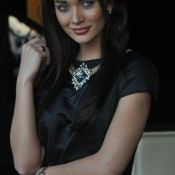 Amy Jackson New Pics- Still 2 ?>