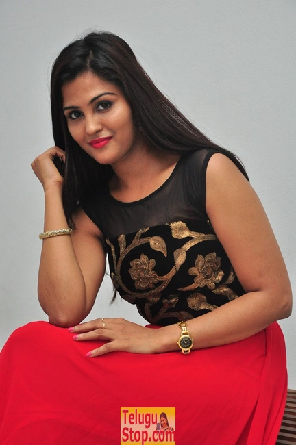 Ananya shetty new stills- Photos,Spicy Hot Pics,Images,High Resolution WallPapers Download