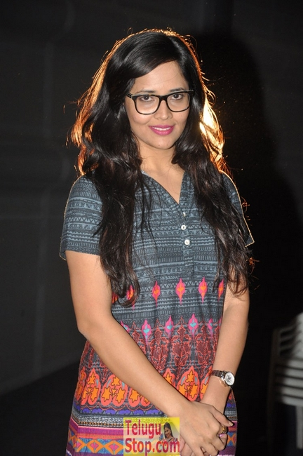 Anchor anasuya latest pics- Photos,Spicy Hot Pics,Images,High Resolution WallPapers Download