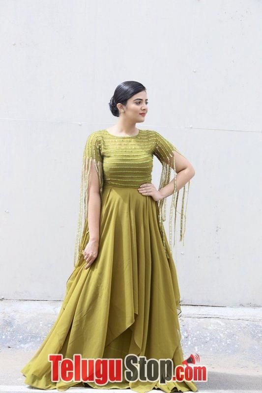 Anchor Sreemukhi Latest Pics- Telugu Actress Hot Spicy