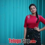 anchor-sreemukhi-latest-pics01