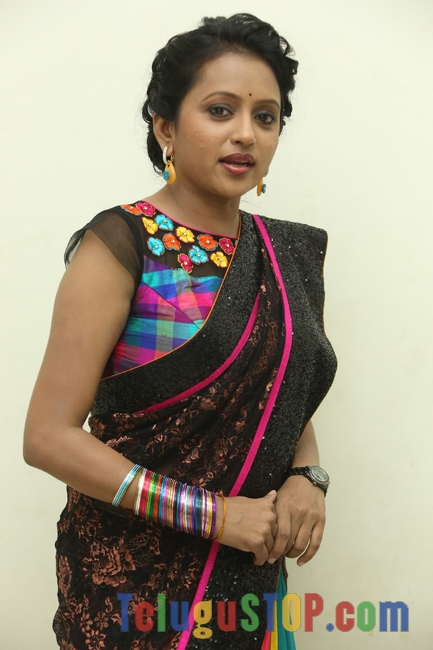 Anchor suma stills- Photos,Spicy Hot Pics,Images,High Resolution WallPapers Download