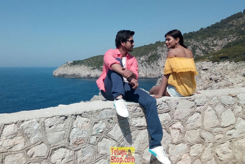 Andhagadu working stills- Photos,Spicy Hot Pics,Images,High Resolution WallPapers Download