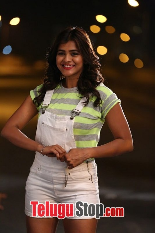 Angel telugu movie stills- Photos,Spicy Hot Pics,Images,High Resolution WallPapers Download