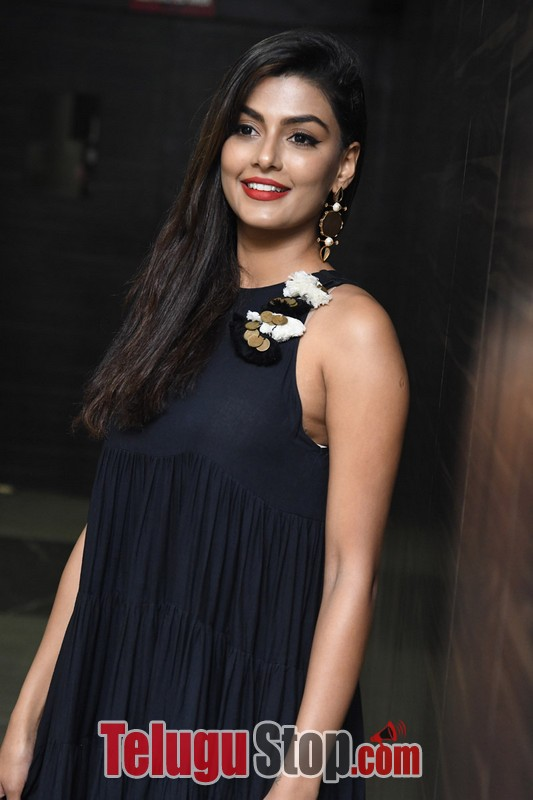 Anisha ambrose gallery- Photos,Spicy Hot Pics,Images,High Resolution WallPapers Download