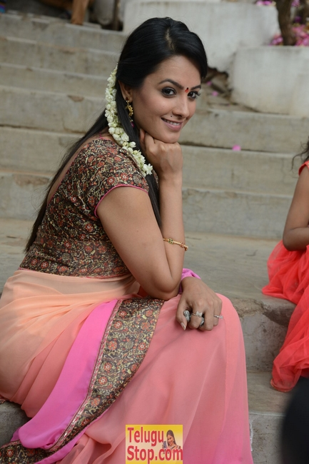 Anitha latest stills- Photos,Spicy Hot Pics,Images,High Resolution WallPapers Download