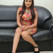 anjana-deshpande-new-stills15