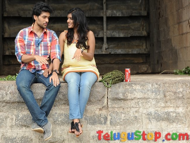 Antakumundu aa taruvata movie latest stills- Photos,Spicy Hot Pics,Images,High Resolution WallPapers Download