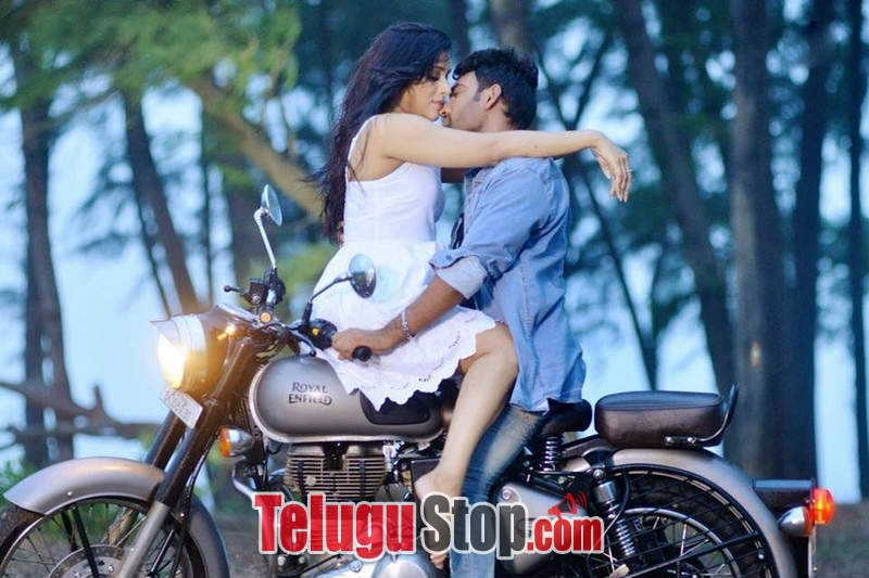 Anthaku Minchi Movie Hot Gallery-