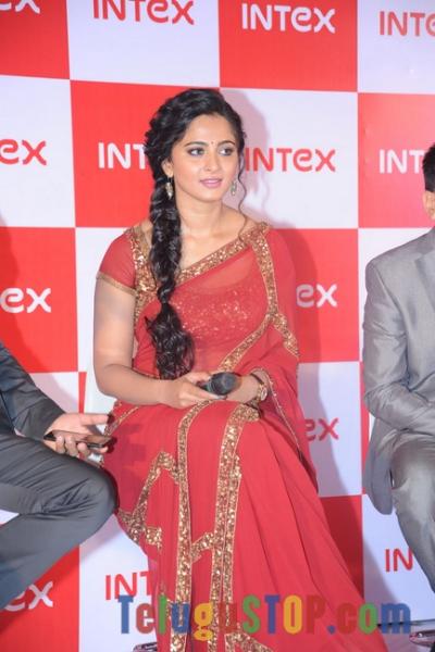 Anushka Latest Stills-Anushka Latest Stills--Telugu Actress Hot Photos Anushka Latest Stills-