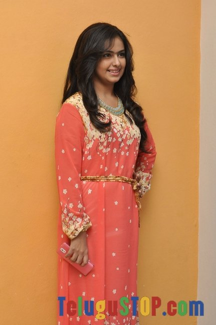 Avika gor new stills 2- Photos,Spicy Hot Pics,Images,High Resolution WallPapers Download