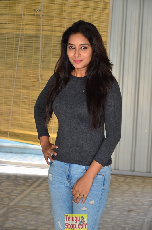 Bhanu Tripathri Latest Pics-Bhanu Tripathri Latest Pics-