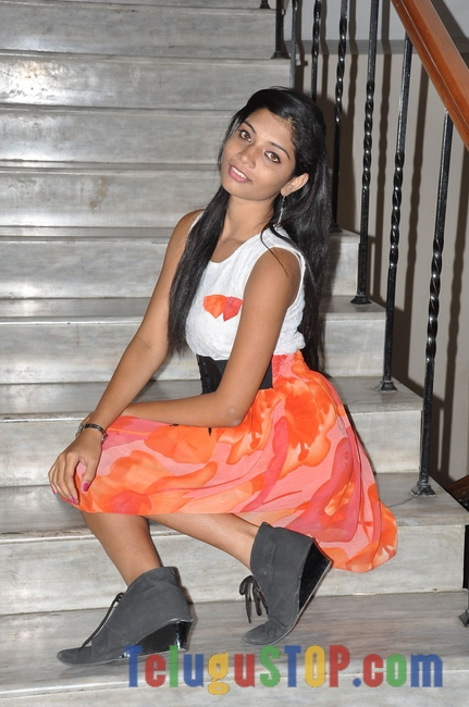 Bindhu barbie latest gallery- Photos,Spicy Hot Pics,Images,High Resolution WallPapers Download