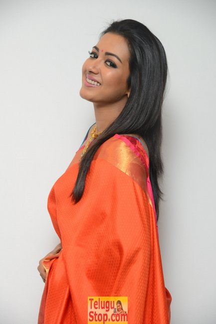 Catherine tresa latest pics- Photos,Spicy Hot Pics,Images,High Resolution WallPapers Download