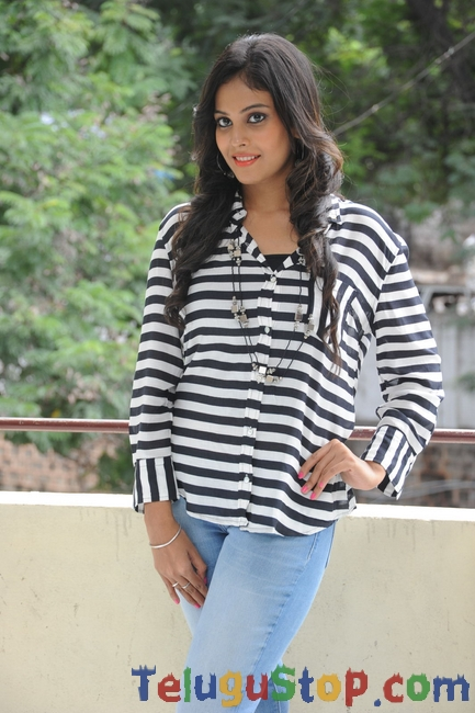 Chandini Latest Pics-Chandini Latest Pics--Telugu Actress Hot Photos Chandini Latest Pics-