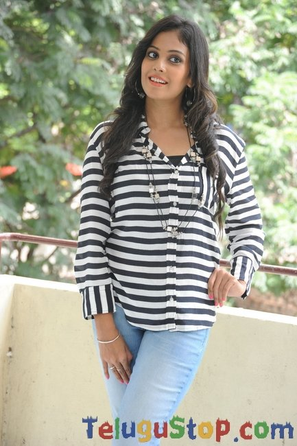 Chandini latest pics- Photos,Spicy Hot Pics,Images,High Resolution WallPapers Download