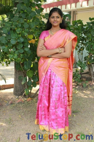 Chandini latest stills 2- Photos,Spicy Hot Pics,Images,High Resolution WallPapers Download