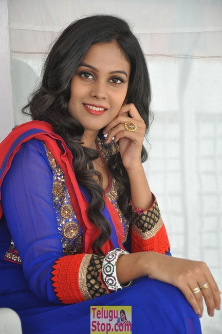 Chandini new stills 6- Photos,Spicy Hot Pics,Images,High Resolution WallPapers Download