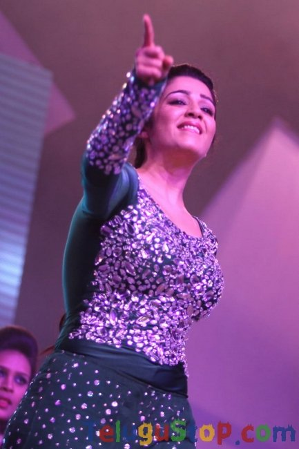 Charmi dance at country club new year bash- Photos,Spicy Hot Pics,Images,High Resolution WallPapers Download