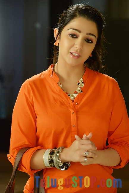 Charmi new pics 2- Photos,Spicy Hot Pics,Images,High Resolution WallPapers Download