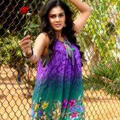 chitram-bhalare-vichitram-movie-stills-n-walls06