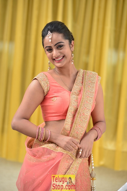 Chuttalabbayi movie working stills- Photos,Spicy Hot Pics,Images,High Resolution WallPapers Download