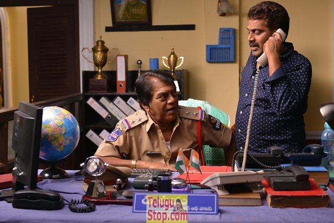 Chuttalabbayi Working Stills-Chuttalabbayi Working Stills-