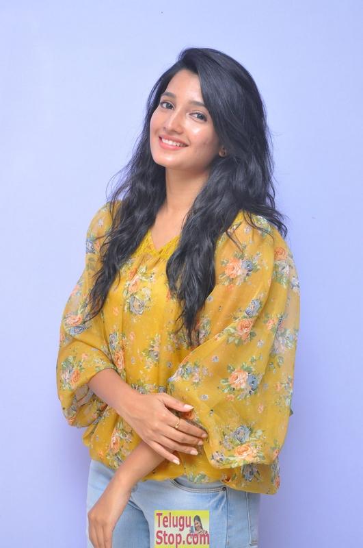 Deepthi Shetty Latest Stills-Deepthi Shetty Latest Stills-
