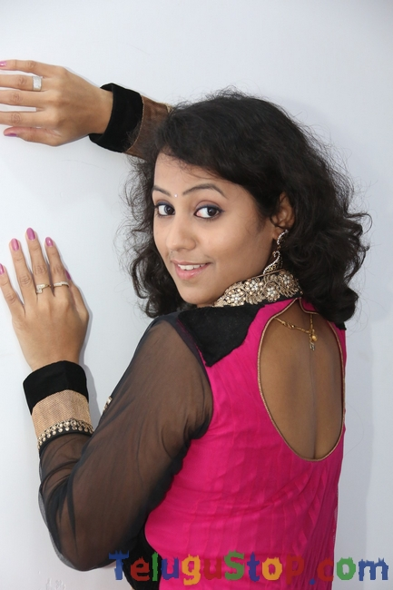 Deepu naidu stills- Photos,Spicy Hot Pics,Images,High Resolution WallPapers Download