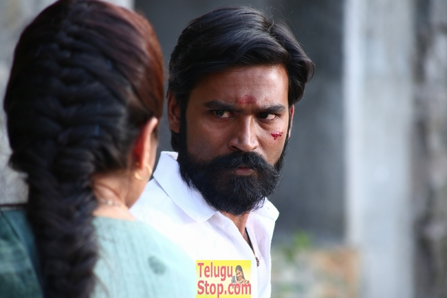Dhanush new movie dharma yogi stills- Photos,Spicy Hot Pics,Images,High Resolution WallPapers Download