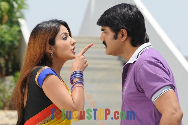 Dhee ante dhee movie stills- Photos,Spicy Hot Pics,Images,High Resolution WallPapers Download
